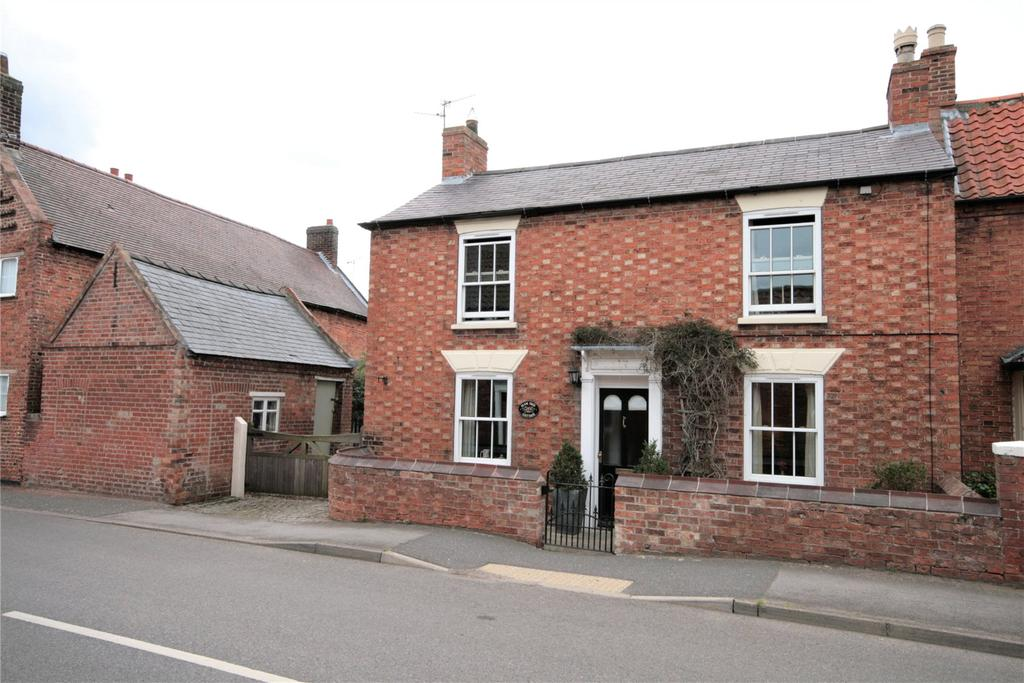 3 Bedrooms Detached House for sale in Eagle Road, North Scarle, LN6