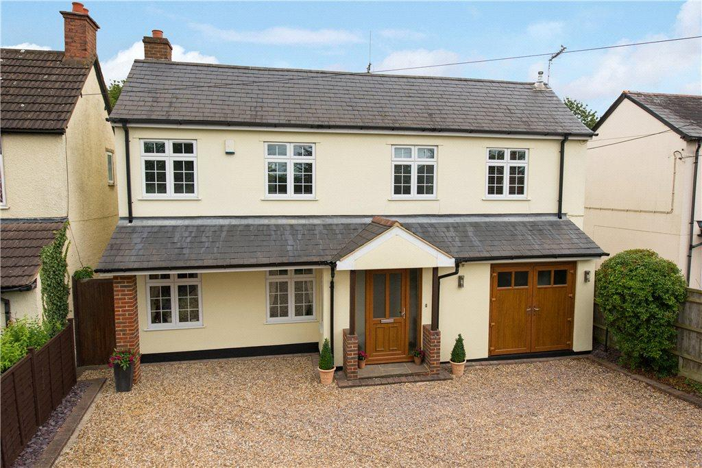 4 Bedrooms Detached House for sale in Wendover Road, Weston Turville, Aylesbury, Buckinghamshire