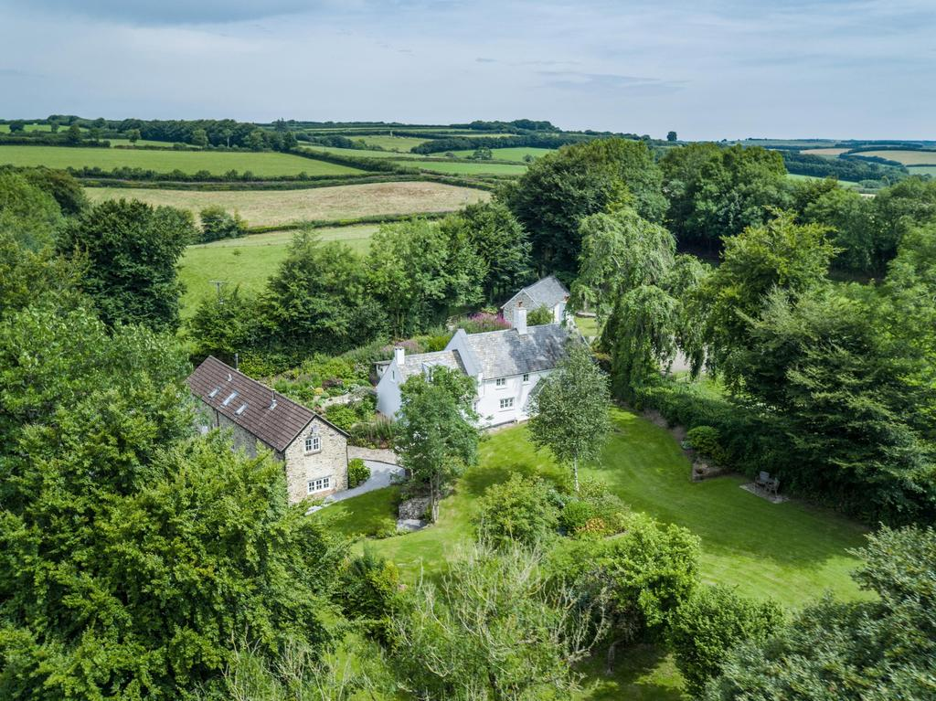 4 Bedrooms Equestrian Facility Character Property for sale in Near Brompton Regis, Dulverton