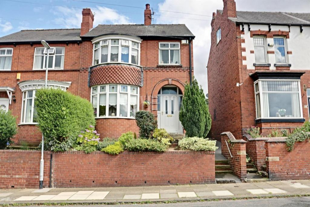 3 Bedrooms Semi Detached House for sale in Boswell Street, Clifton