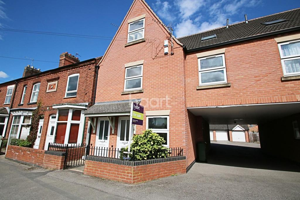 2 Bedrooms Maisonette Flat for sale in Leicester