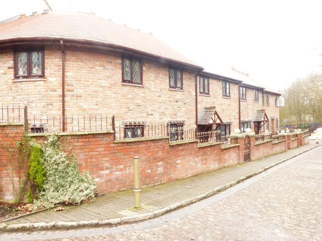 4 Bedrooms Town House for sale in Hill Street,Walsall,West Midlands
