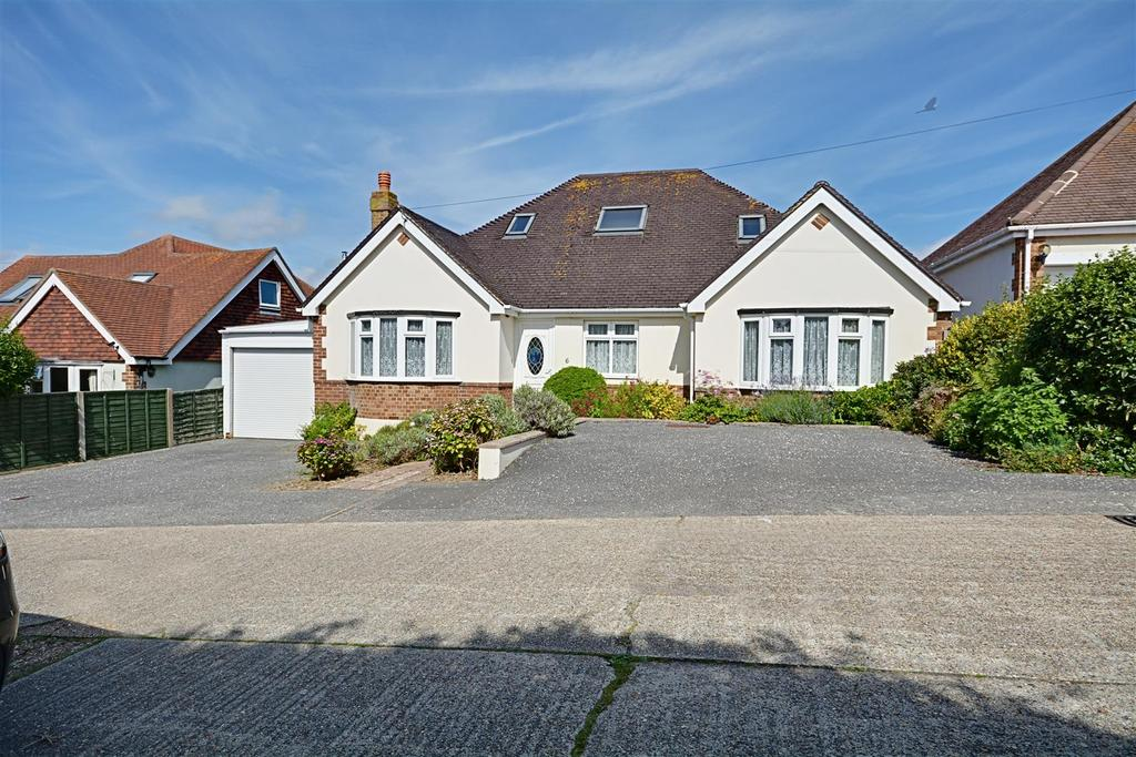 4 Bedrooms Detached Bungalow for sale in Grand Avenue, Bexhill-On-Sea