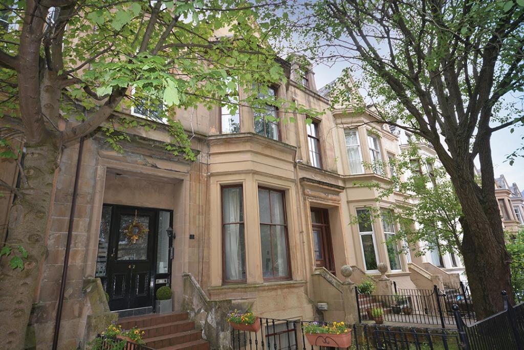 2 Bedrooms Duplex Flat for sale in 40 Cecil Street, Hillhead, G12 8RJ