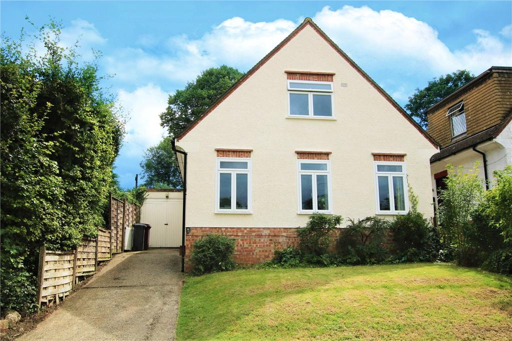 3 Bedrooms Detached House for sale in Froxfield Avenue, Reading, Berkshire, RG1