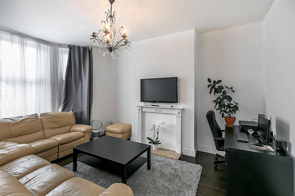 4 Bedrooms Maisonette Flat for sale in Talbot Road, Wembley, HA0