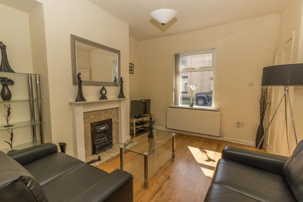 2 Bedrooms Terraced House for sale in Dover Street, Walney