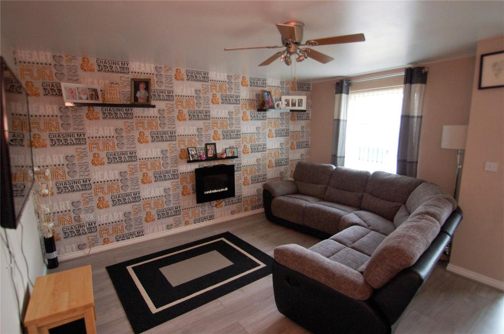 3 Bedrooms Terraced House for sale in Bonita Drive, Bridgwater, TA6