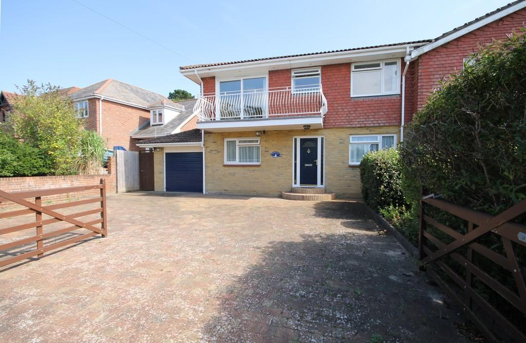 3 Bedrooms Semi Detached House for sale in Totland Bay, Isle of Wight