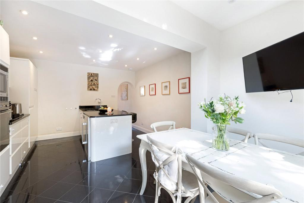 4 Bedrooms Terraced House for sale in Latchmere Road, London, SW11