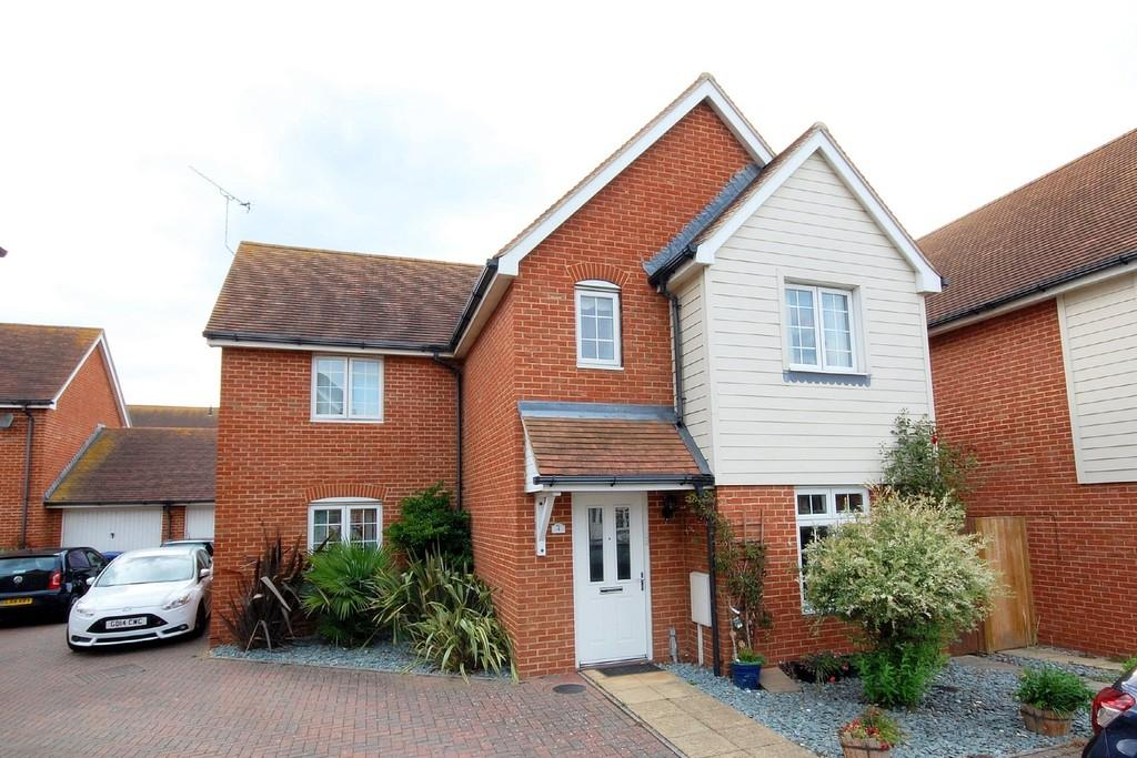 4 Bedrooms Detached House for sale in Wallis Court, Herne Bay