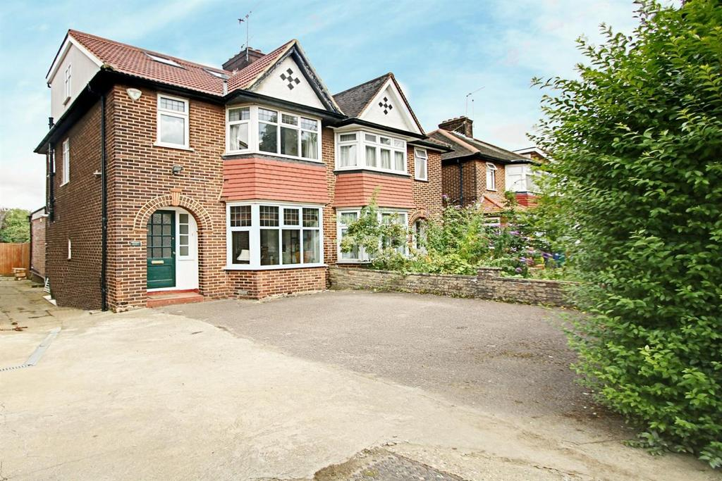 5 Bedrooms Semi Detached House for sale in The Vale, NW11