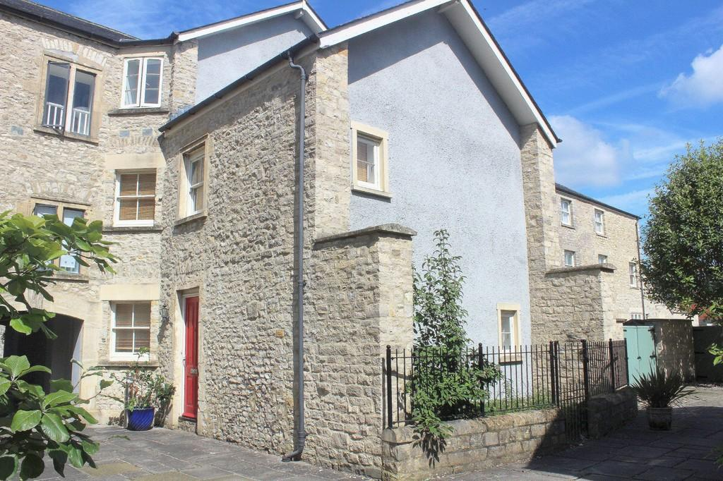 3 Bedrooms End Of Terrace House for sale in West End Court, Shepton Mallet