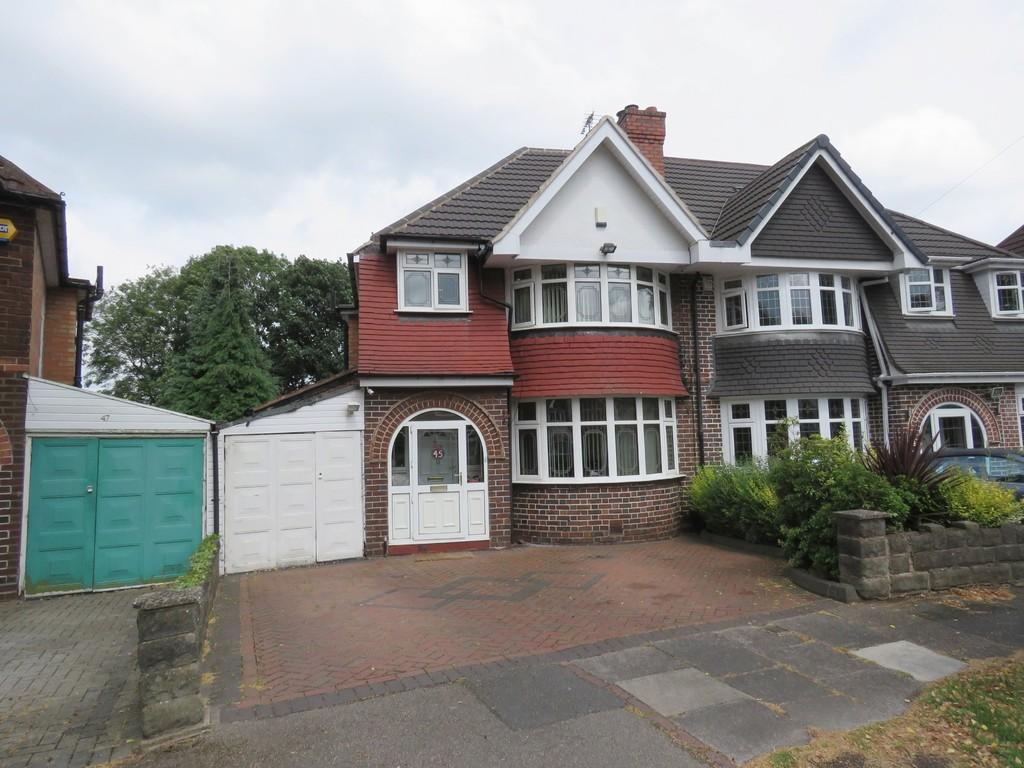 3 Bedrooms Semi Detached House for sale in Lulworth Road, Hall Green