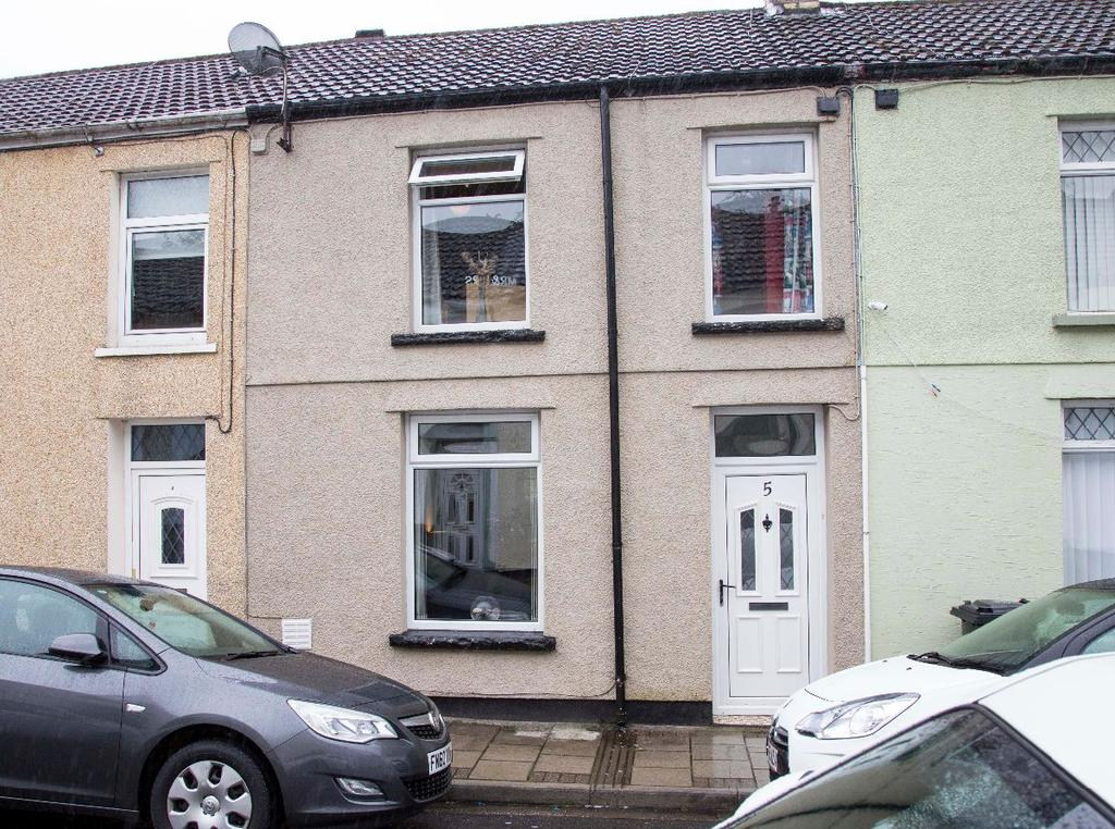 3 Bedrooms Terraced House for sale in Windsor Place, Treharris, CF46 5AD