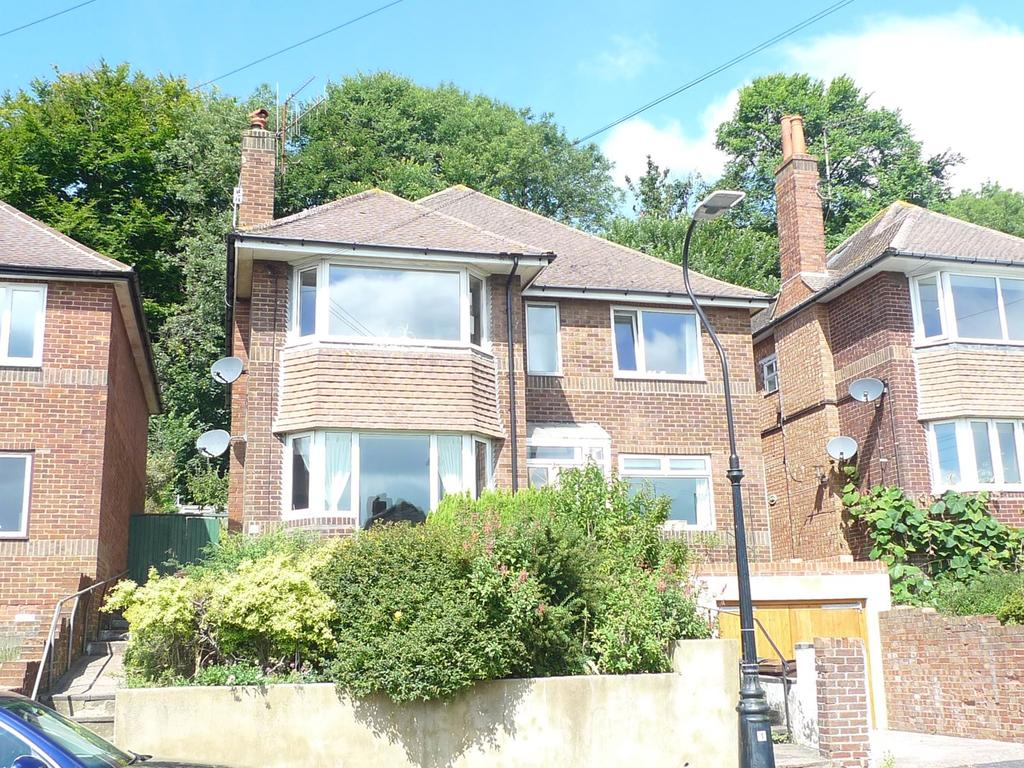 2 Bedrooms Flat for sale in Peppercombe Road, Old Town, Eastbourne, BN20