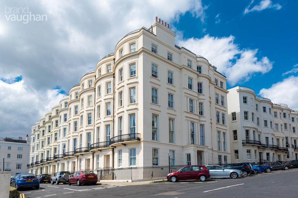 2 Bedrooms Apartment Flat for sale in Percival Terrace, BRIGHTON, BN2