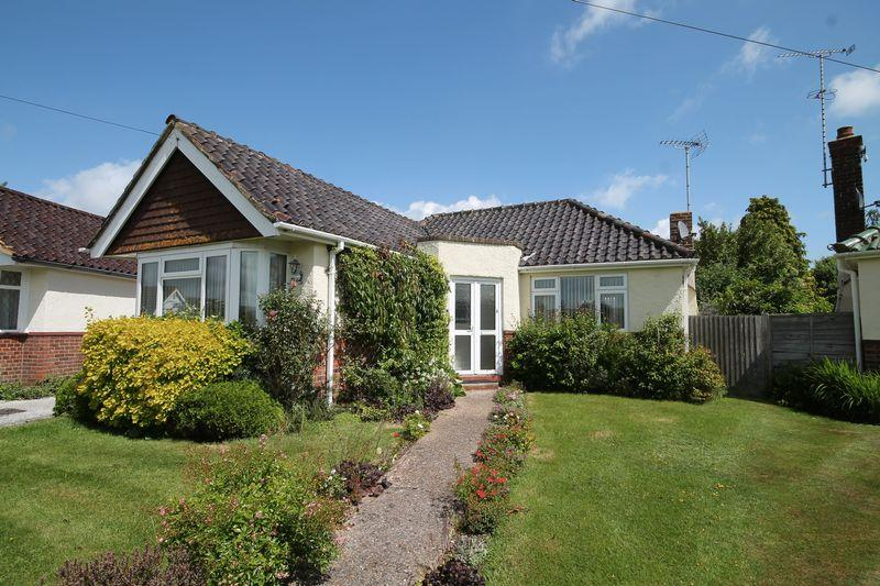 2 Bedrooms Detached Bungalow for sale in Ann Close, Hassocks, West Sussex,