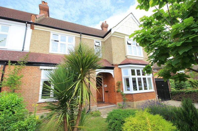 5 Bedrooms Semi Detached House for sale in SELBORNE ROAD, Sidcup, DA14 4QP