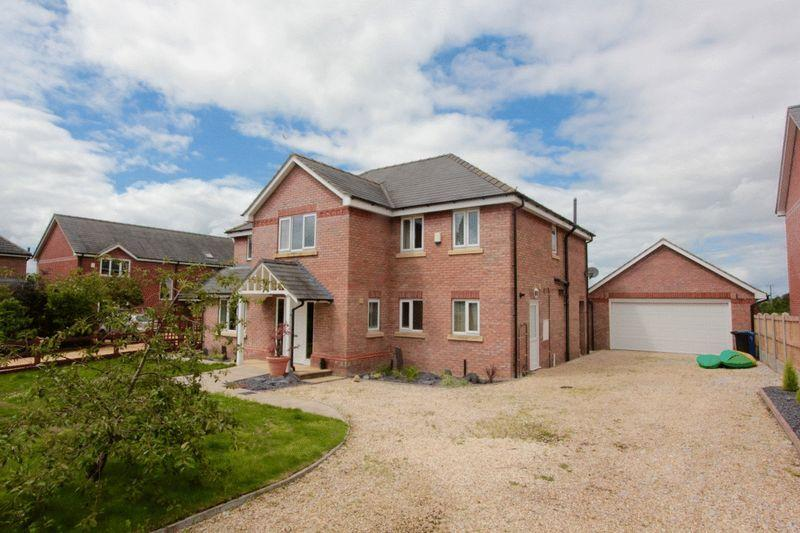 4 Bedrooms Detached House for sale in Parc Tyn Llan, Llandyrnog