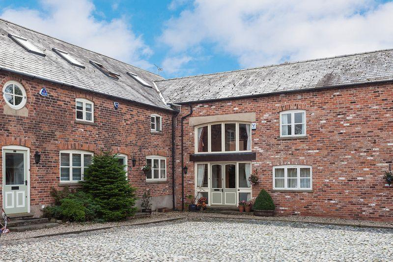 5 Bedrooms Barn Conversion Character Property for sale in Dutton Hall Court, Northwich Road, Dutton