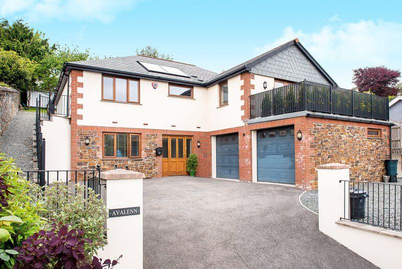4 Bedrooms Detached House for sale in Ridgegrove Lane, Launceston