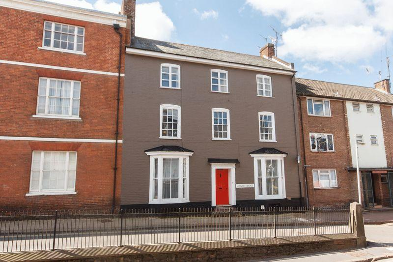 5 Bedrooms Terraced House for sale in Union Terrace, Crediton