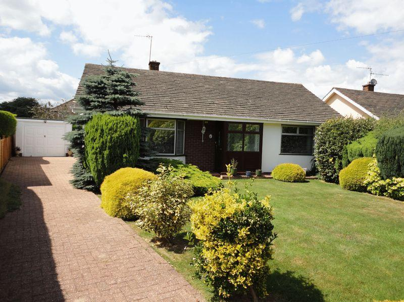2 Bedrooms Detached Bungalow for sale in Moyle Grove, Torfaen
