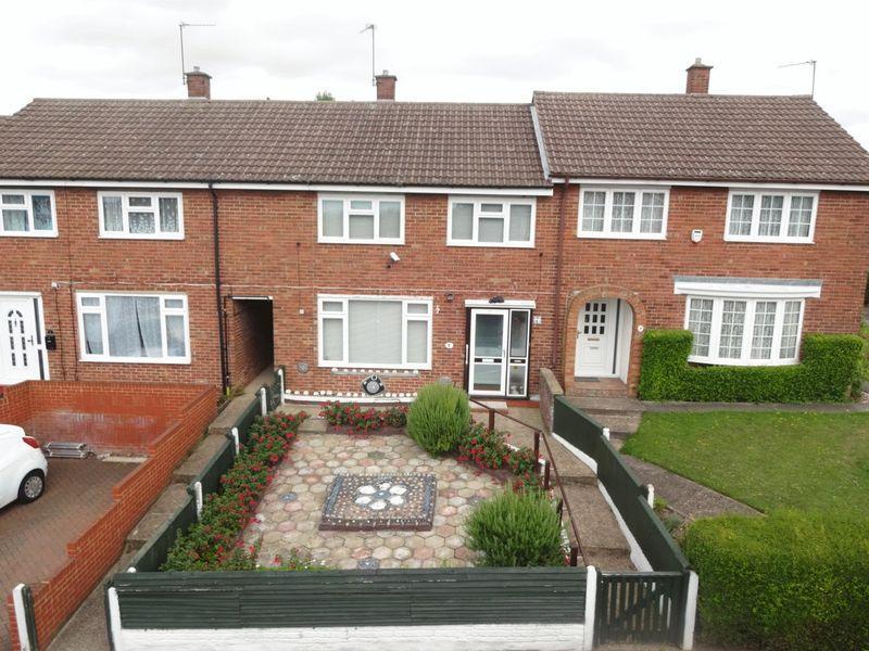 3 Bedrooms Terraced House for sale in Blackthorn Road, Houghton Regis