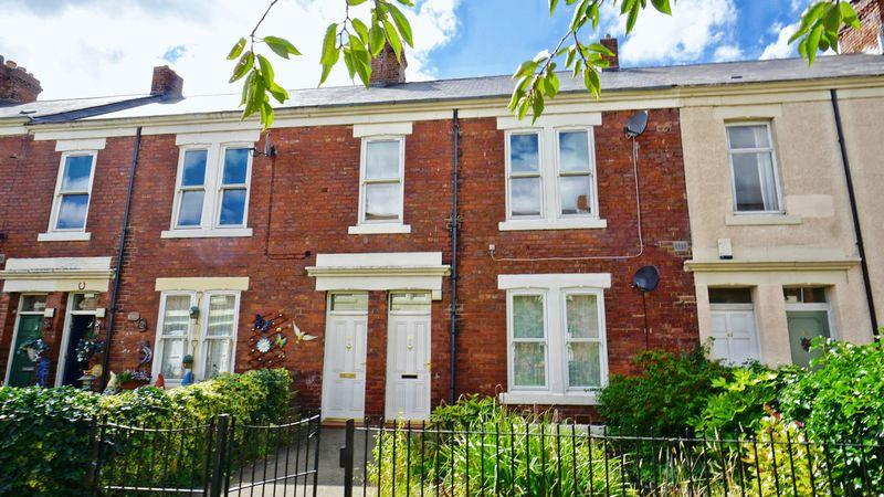 2 Bedrooms Apartment Flat for sale in SIXTH AVENUE, Heaton