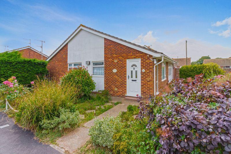 2 Bedrooms Semi Detached Bungalow for sale in Brook Way, Lancing