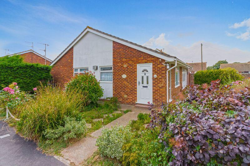 2 Bedrooms Semi Detached Bungalow for sale in Brook Way, Lancing