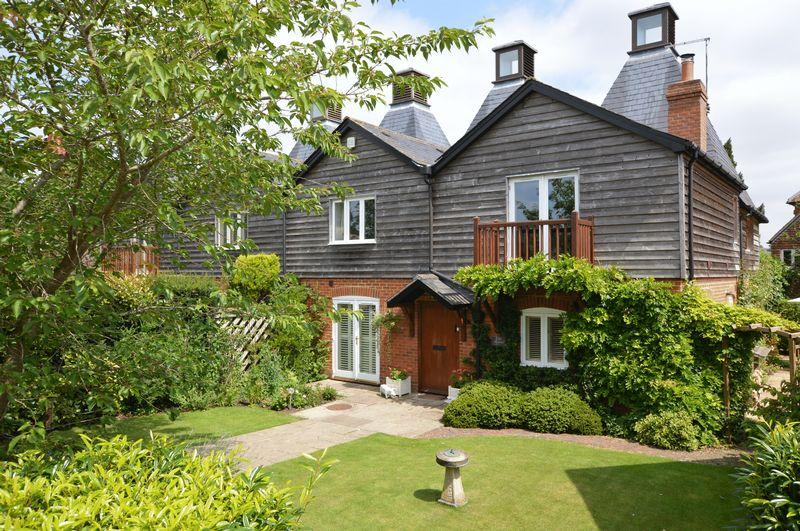 4 Bedrooms Barn Conversion Character Property for sale in Will Hall Farm, Hampshire - Central Alton 0.8 mile