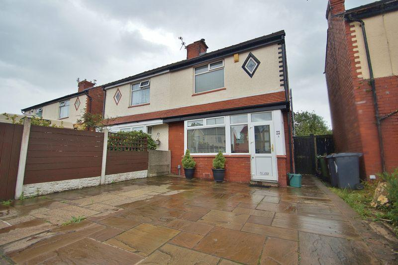 3 Bedrooms Semi Detached House for sale in Crowland Street, Southport