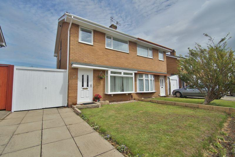 3 Bedrooms Semi Detached House for sale in Haig Avenue, Southport