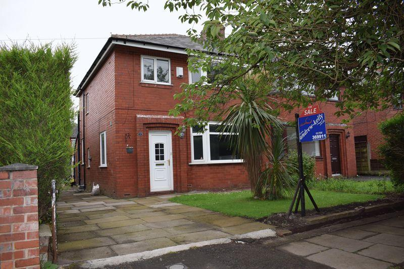 3 Bedrooms Semi Detached House for sale in Cumberland Avenue, Heywood