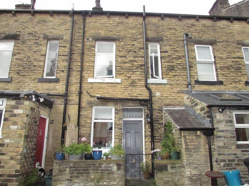 3 Bedrooms Terraced House for sale in Sackville Street, Hebden Bridge