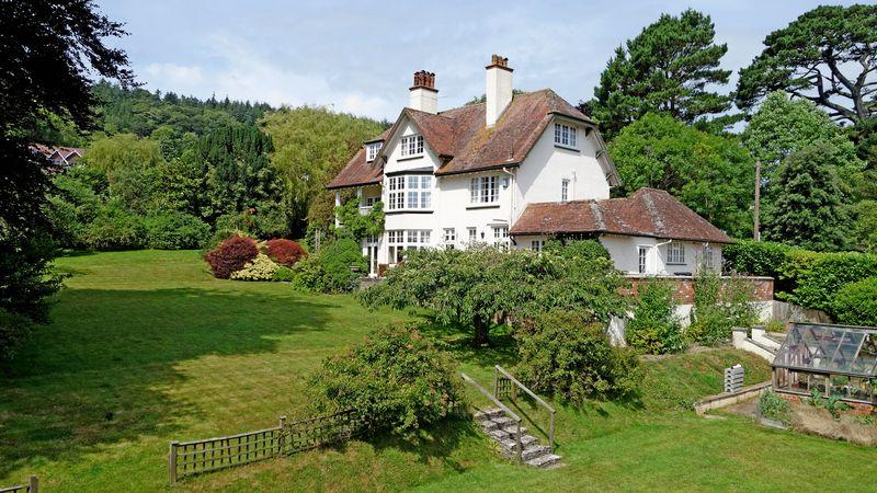 5 Bedrooms Detached House for sale in Boughmore Road, Sidmouth