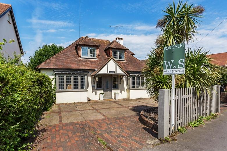 4 Bedrooms Detached House for sale in Effingham Junction/East Horsley