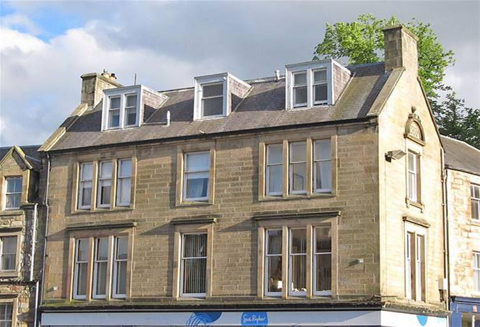 2 Bedrooms Flat for sale in 2a Market Place, Jedburgh, TD8 6AP