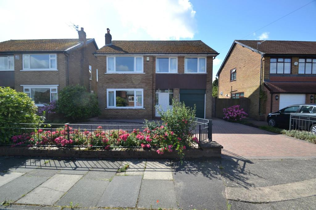 4 Bedrooms Detached House for sale in Woodhouse Lane, Sale