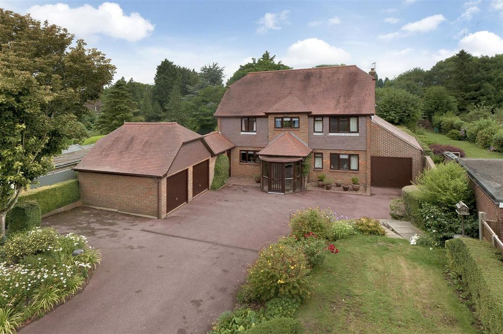 4 Bedrooms Detached House for sale in Heath Road, East Farleigh