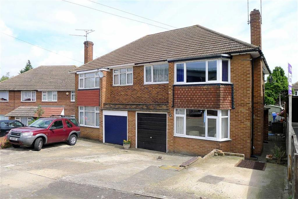 3 Bedrooms Semi Detached House for sale in Kennard Close, Rochester, Kent, ME1