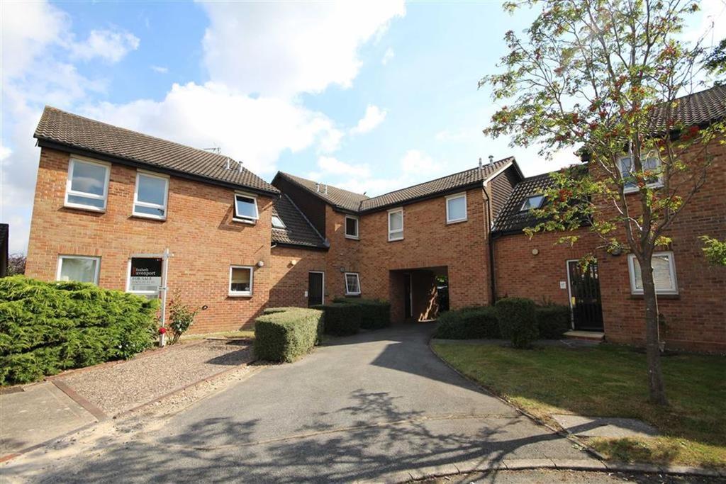 1 Bedroom Apartment Flat for sale in Framlingham Grove, Kenilworth, Warwickshire, CV8