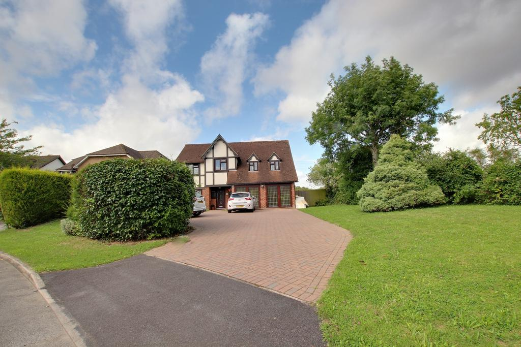5 Bedrooms Detached House for sale in HORNDEAN