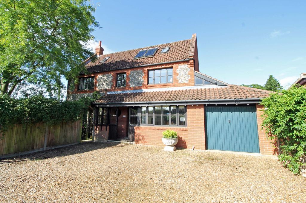 4 Bedrooms Detached House for sale in Grove Lane, Holt NR25