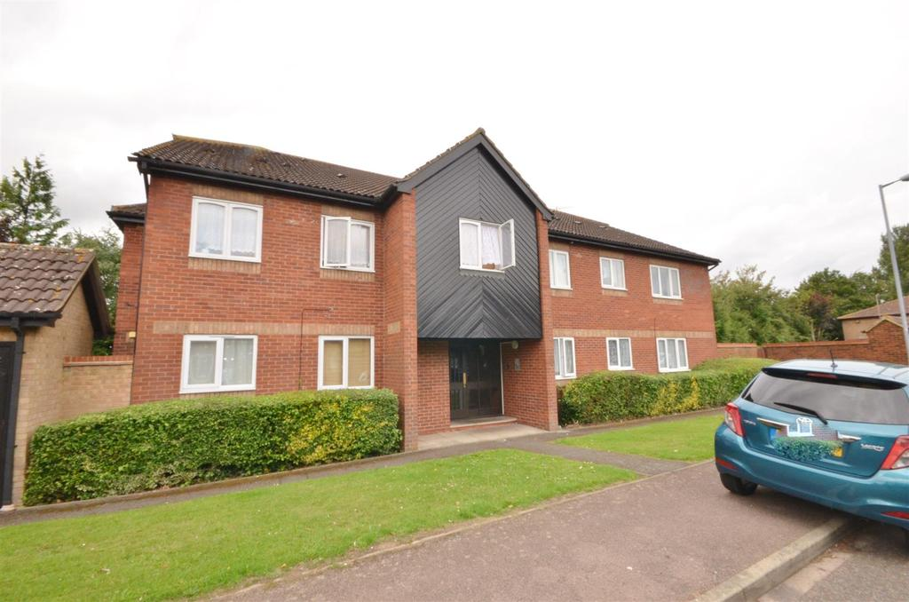1 Bedroom Apartment Flat for sale in Rodeheath