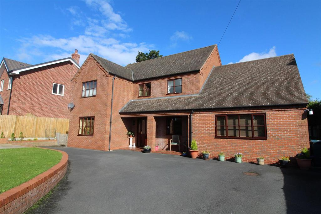 4 Bedrooms Detached House for sale in Halfway House, Shrewsbury