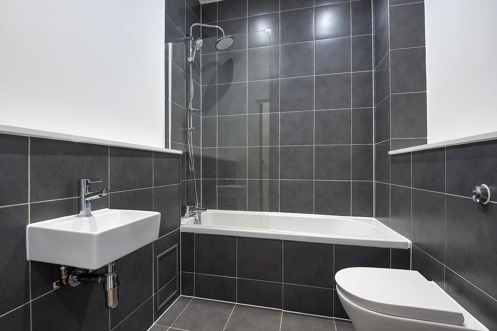 2 Bedrooms Flat for sale in Green Lane London SE9