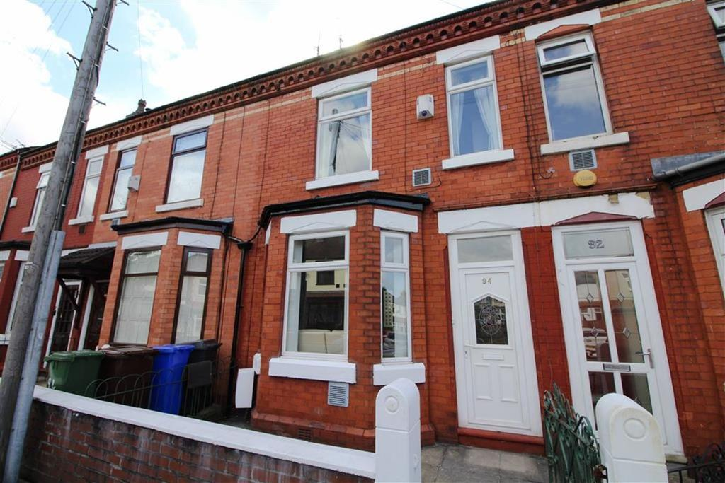 3 Bedrooms Terraced House for sale in Laburnum Road, Denton
